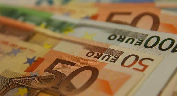 EU posts nearly $23B trade surplus in March 1
