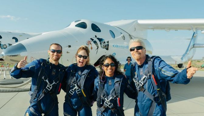 Virgin Galactic and Richard Branson celebrate launch of first passengers into space 1
