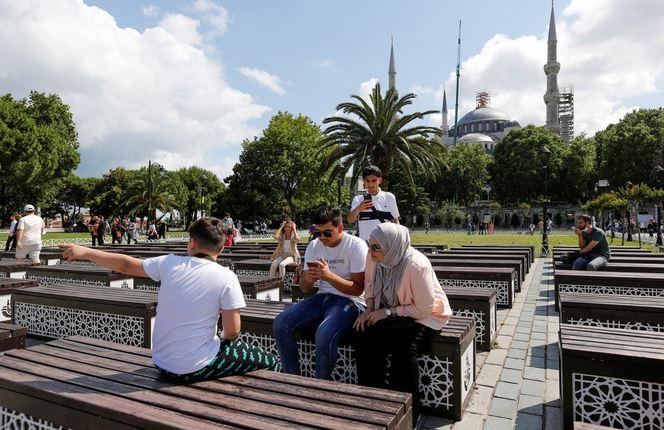 Arabs help plug Turkey's tourist gap as Britons still barred 1