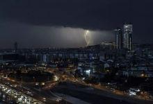 Lightning strikes illuminate Istanbul throughout night 2