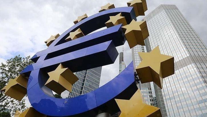 EU posts €108.8B current account surplus in Q2 4