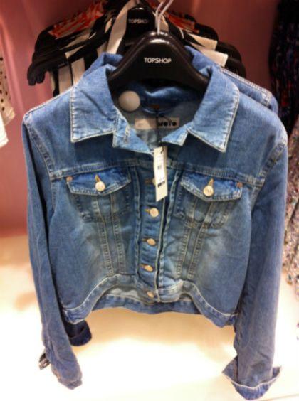 Produto OK. Jaqueta jeans por 200.