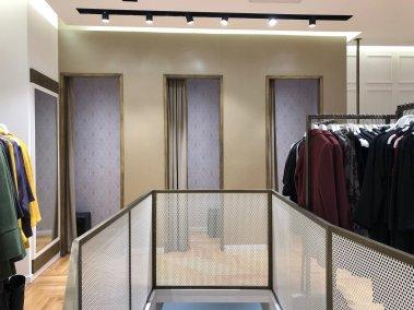 Negozio abbigliamento - Zona camerini