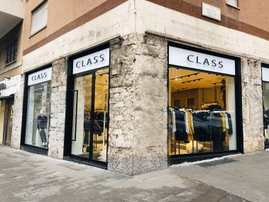 Negozio abbigliamento Class - Vista esterna
