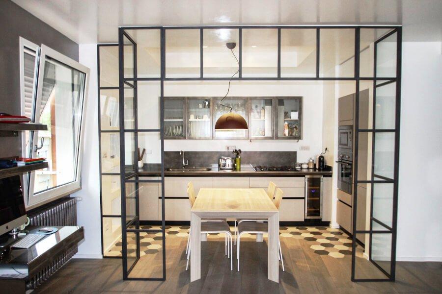 restyling appartamento gimmi - salotto con cucina a vista
