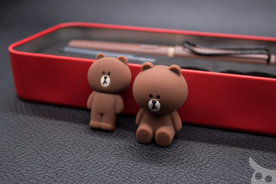 lamy-x-line-friends-brown-in-red-12