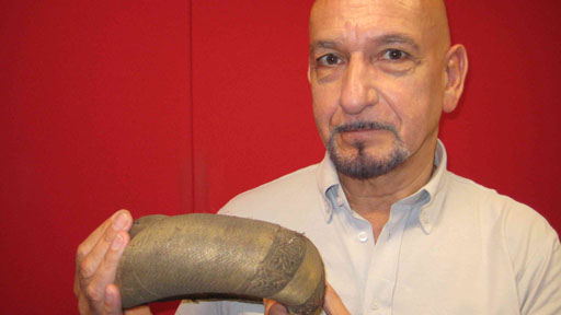 Caption: Sir Ben Kingsley talks to the Charles Carroll of the  Sunday programme about his object.