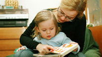 Mother and daughter reading © 'Brebca - Fotolia.com'