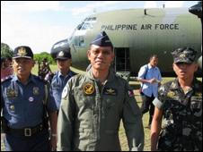 Quân đội Philippines thăm Trường Sa