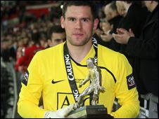 Thủ môn Ben Foster vừa ký hợp đồng bốn năm với United