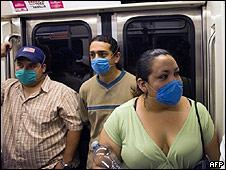 Viajeros en el metro en México