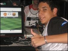 Robnel Lovera, jugador de videojuegos