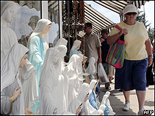 Peregrinação de católicos na cidade de Medjugorje, Bósnia (AFP)