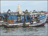 இராமேஸ்வரத்தில் நிறுத்திவைக்கப்பட்டுள்ள இந்திய மீனவர்களின் படகுகள்