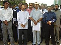 மட்டக்களப்பில் வேட்பு மனுத்தாக்கல் செய்ய வந்த ஆளும் கட்சிக் கூட்டமைப்பினர்