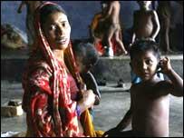 வட இந்தியாவில் பல லட்சம் பேர் வெள்ளத்தால் பாதிக்கப்பட்டுள்ளனர்