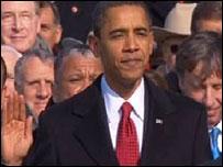 Barack Obama mengucapkan sumpah jabatan presiden