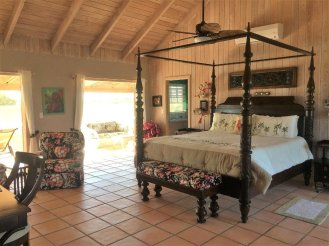 bahamas coconut beach Four Poster Bed