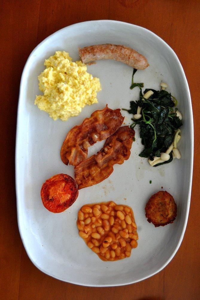 the bale phnom penh cambodia full breakfast