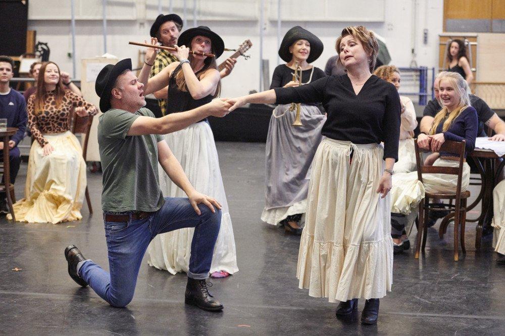 richard farnes death in venice roh rehearsals
