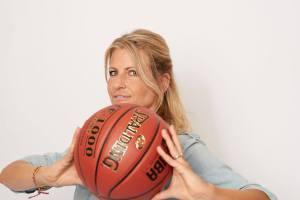 Isabella Müller-Reinhardt moderiert die BBL für Telekom Basketball.