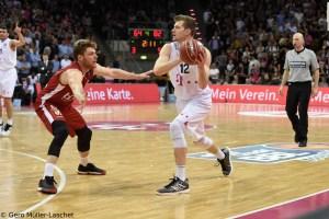 DE - Action - Telekom Baskets Bonn - Florian Koch