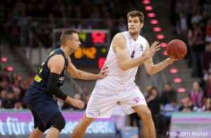 DE - Action - Telekom Baskets Bonn - Ojars Silins