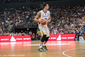 DE - Action - DBB - Paul Zipser