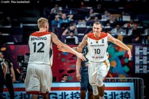 EuroBasket 2017 - Action - Deutschland - Robin Benzing und Daniel Theis
