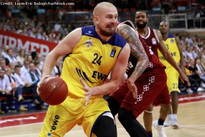 DE - Action - EWE Baskets Oldenburg - Rasid Mahalbasic