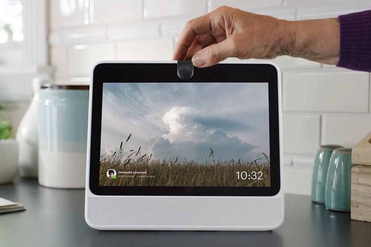 Facebook AI Voice Assistant - facebook portal enters the home assistant market
