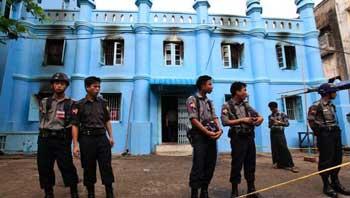 Buddhist Monk, Muslim Leader Reach Peace Agreement in Myanmar