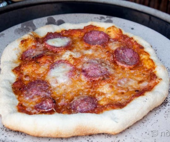 Pizza op de Big Green Egg