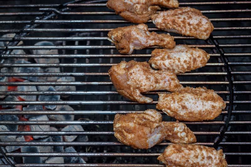 Kippenvleugels met harissa en honing - indirect barbecueën