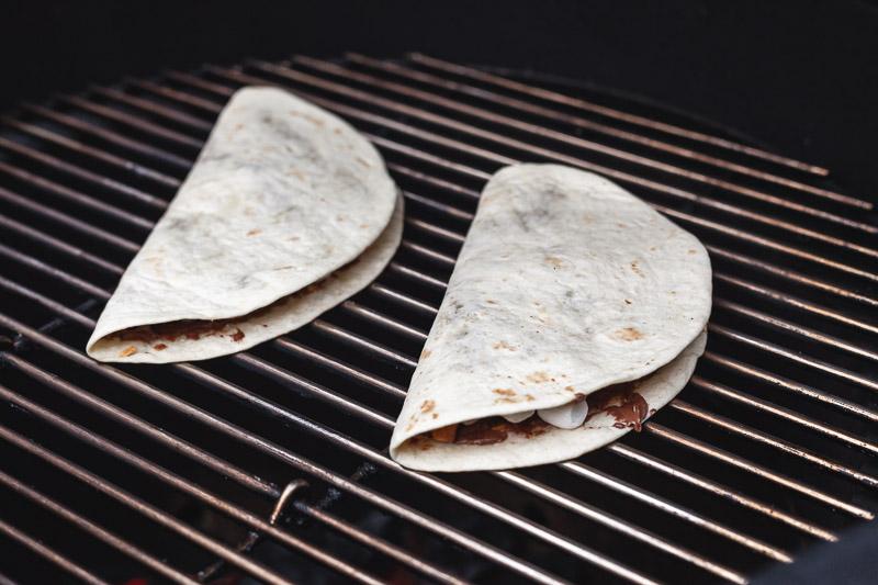 S'mores quesadillas op de barbecue