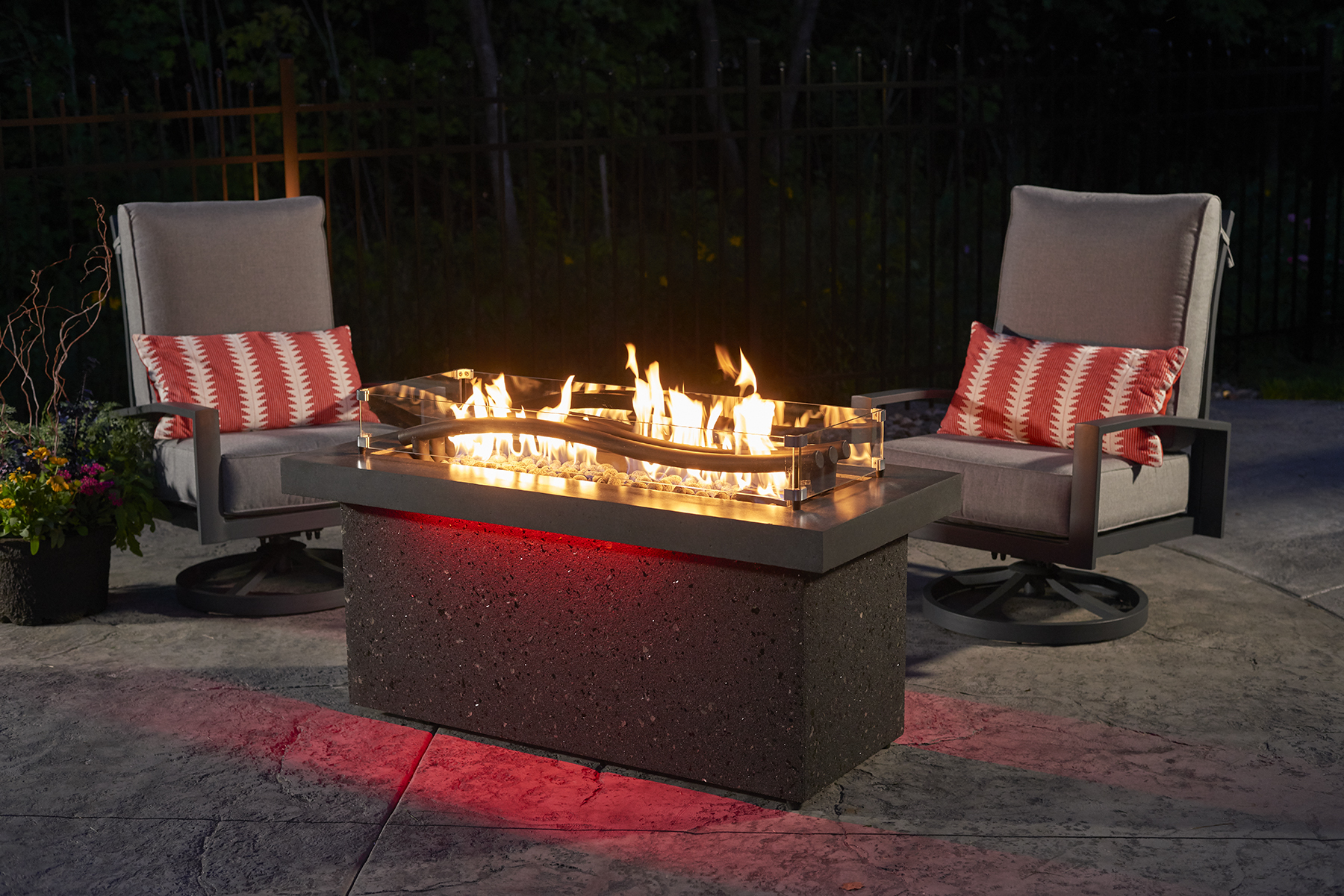 Boreal Complete Heat Fire Pit Table Red. This Beautiful Outdoor Heater is Available at BBQ Concepts of Las Vegas, Nevada