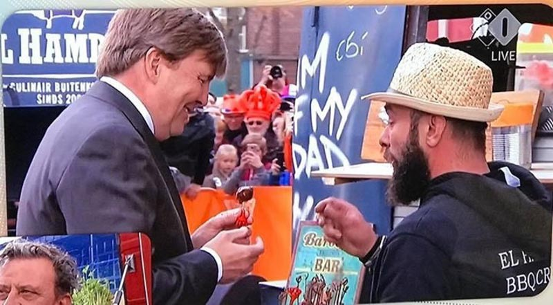 MOINK Balls - The Dutch King eating them