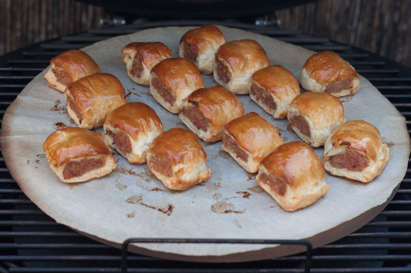 MOINK Rolls on the barbecue