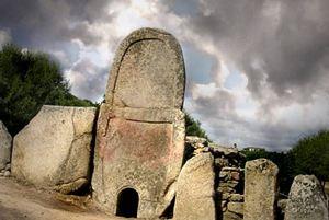 Arzachena, Tomba dei Giganti