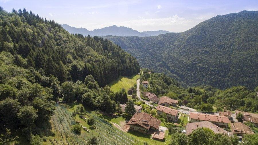Panorama sul paese di Bagolino dell'azienda agricola Terre Solive