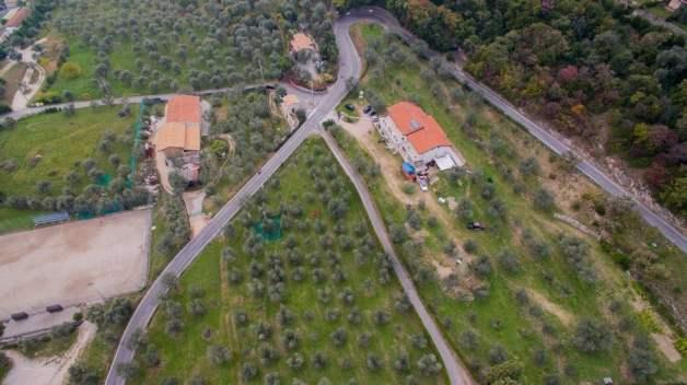 Foto dall'alto con drone dell'azienda agricola Valerio Giacomini