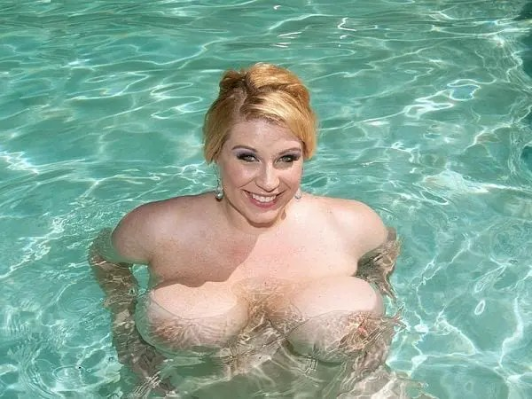 bbw renee ross giant tits pool