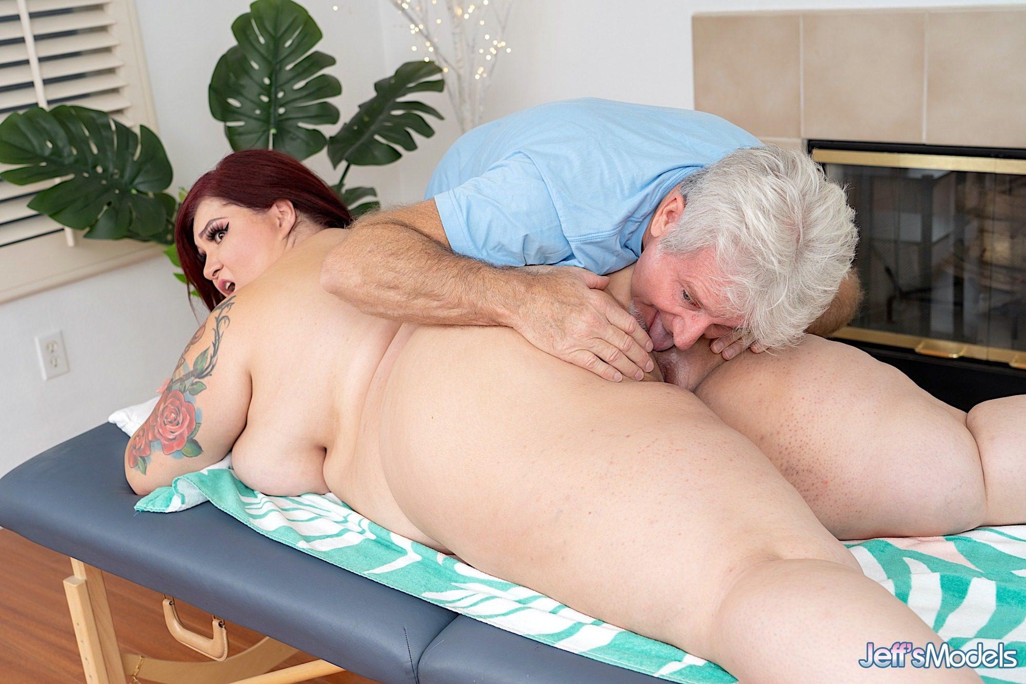 Monique Lust BBW pussy massage porn