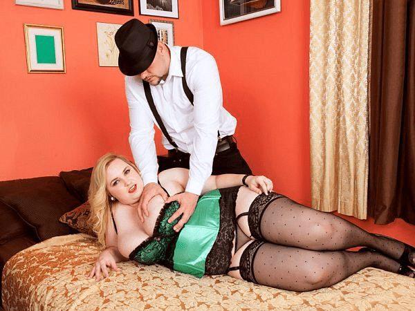 Nikky Wilder fat blonde busty hard sex