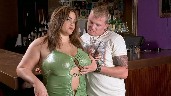 BBW Gia Johnson hardcore sex in a bar XXX