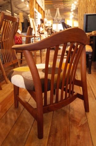 座面高35㎝。BC工房往年の懐かしの椅子。