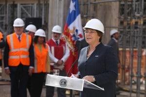 La presidente del Cile Michelle Bachelet (PRNewsFoto/SunPower Corp.)