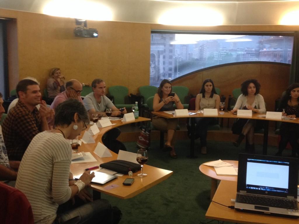 La Sala del Hemiciclo de la Fira de Barcelona sirvió para hacer la asamblea mensual de #BcnTb