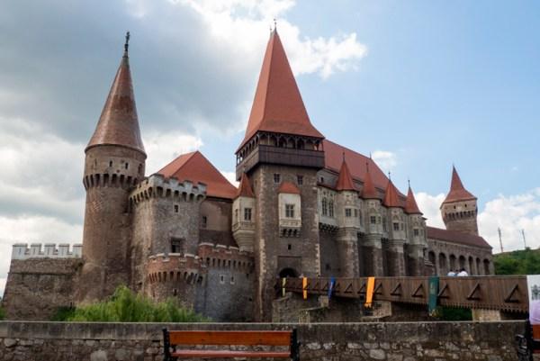 Castillo-Corvinilor-en-Hunedoara-Rumanía