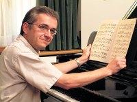 fclocalsINAUGpianist.jpg
